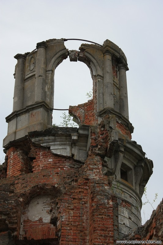 развалившаяся башня