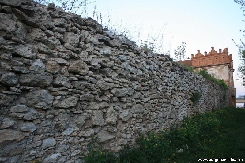 Оборонная стена крепости