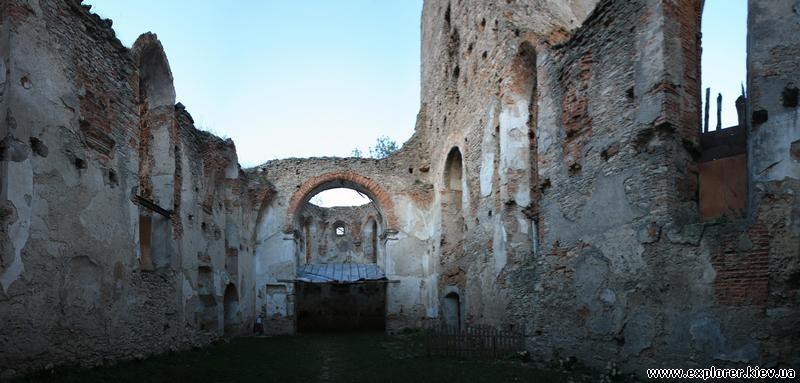 Разрушенные сооружения