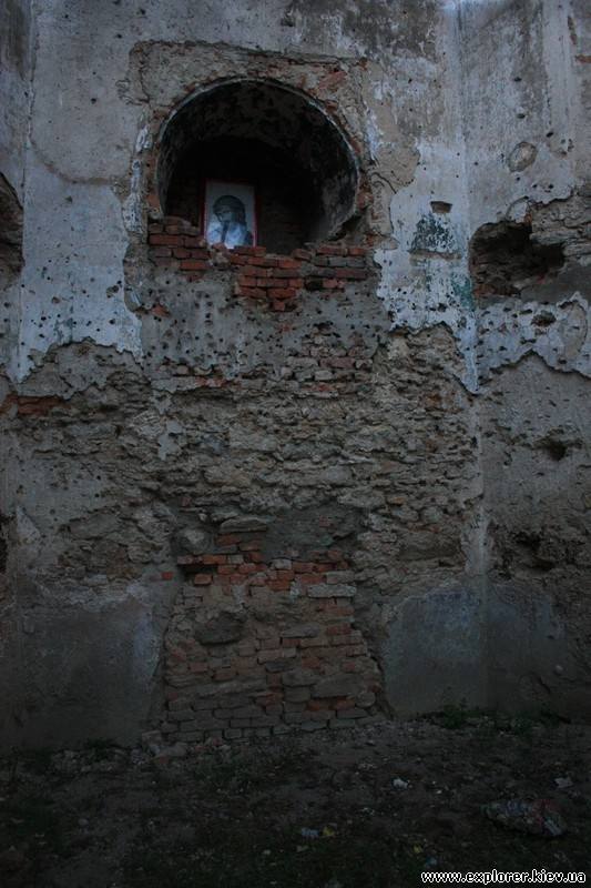 Икона внутри башни