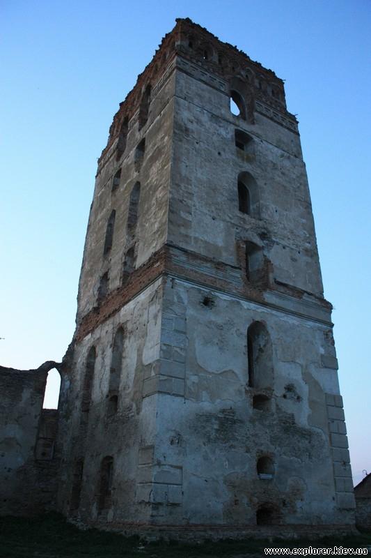 Многоярусная башня