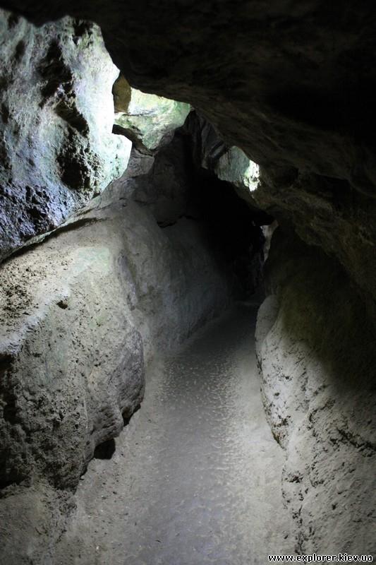 Освещение внутри пещеры