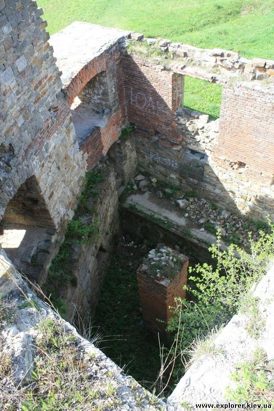 Разрушенные стены замка