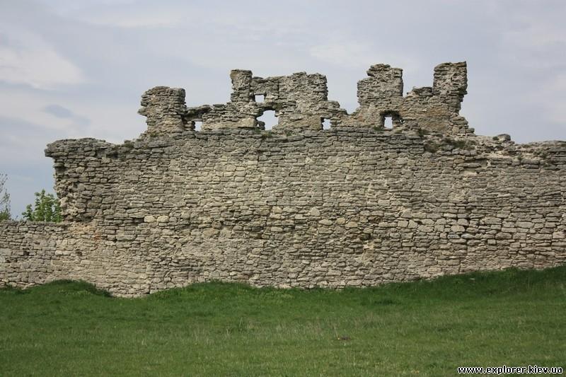 Внутренний фасад стены замка в Кременце