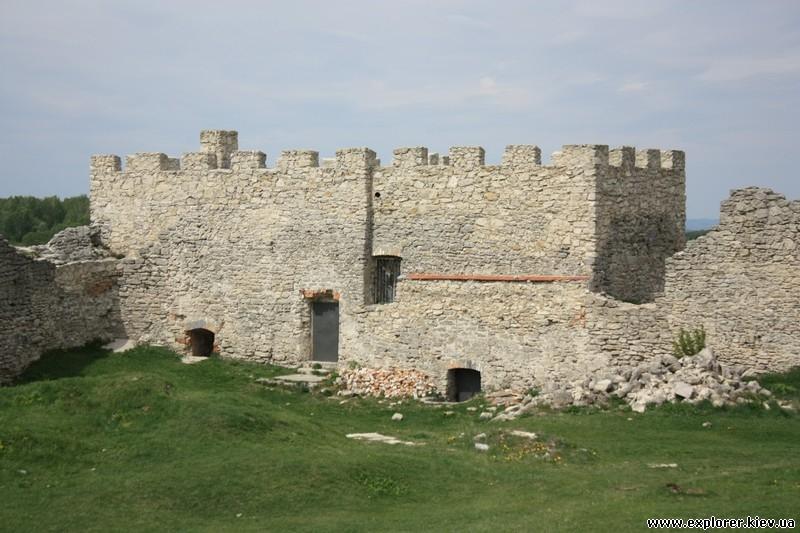 Замок Кременец с арками внутри