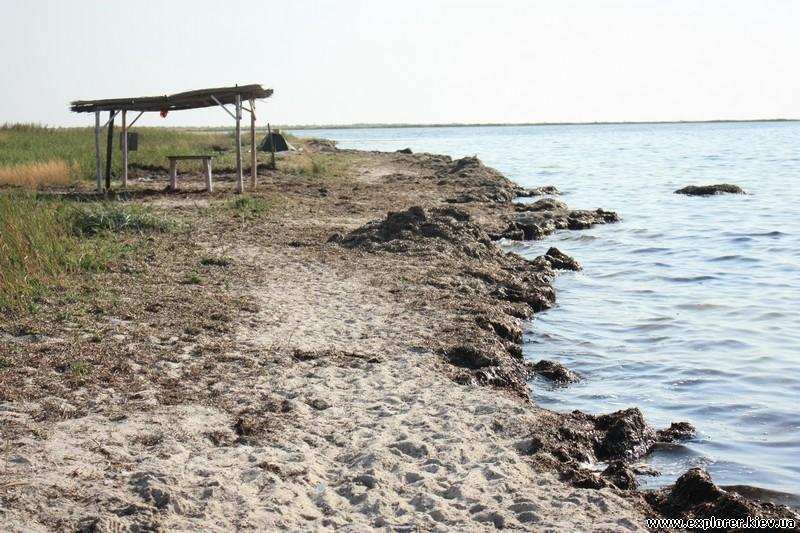 Левый край пляжа