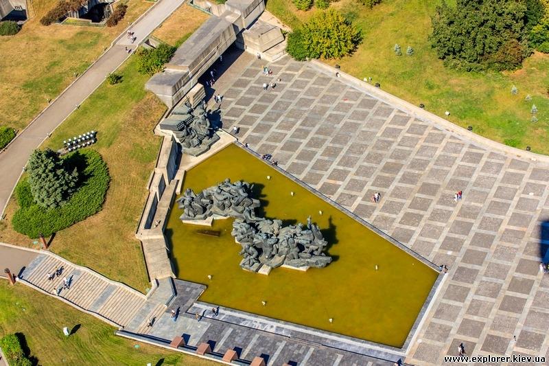 Памятник форсирования Днепра
