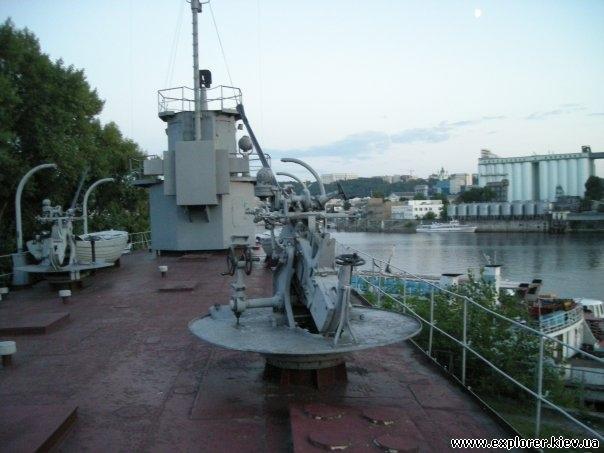 Палуба эсминца на Рыбальском острове