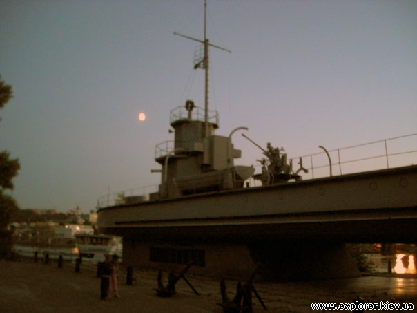 Эсминец на Рыбальском полуострове