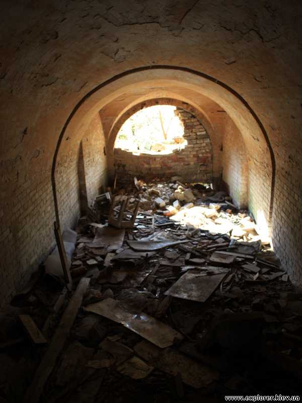 Ход внутри тоннеля
