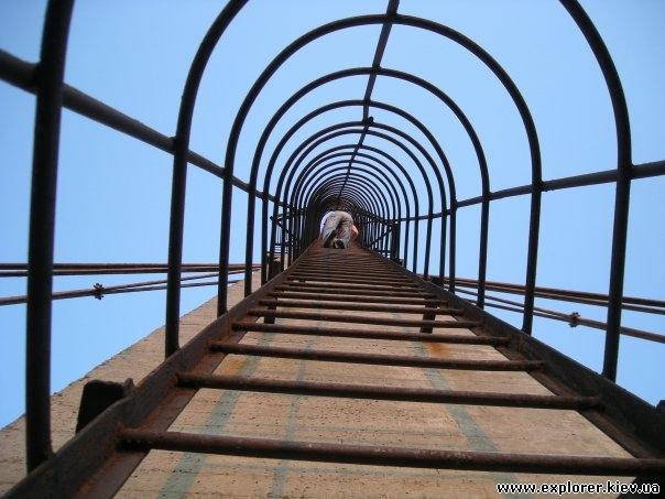 Лестница на вершину опоры Вантового моста