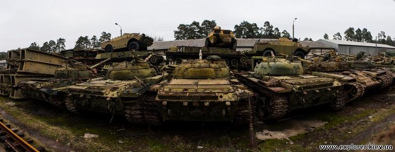 Панорама кладбища танков