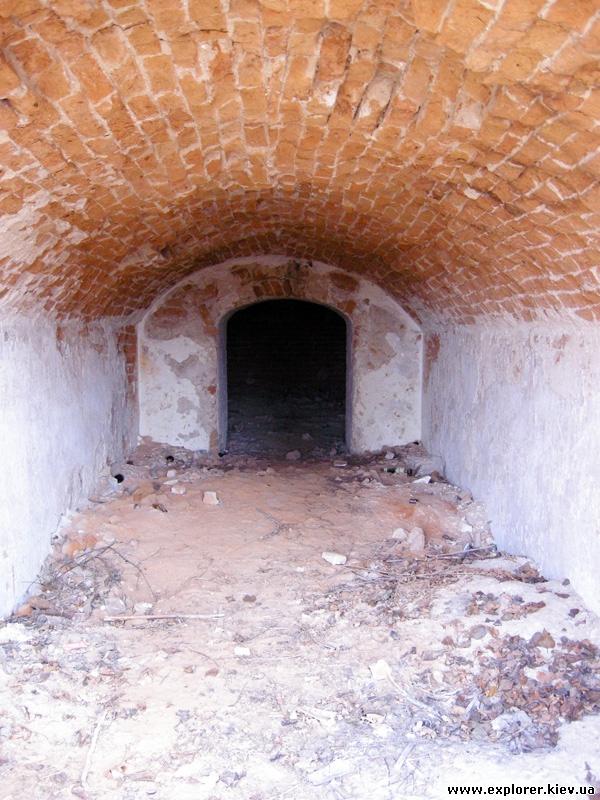 Тоннель склепа