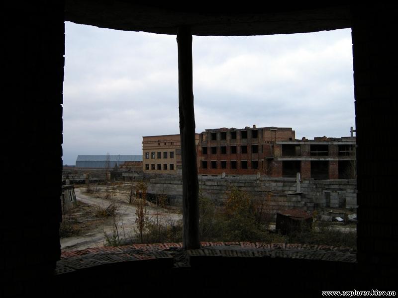 Вид на недостроенный ожоговый центр