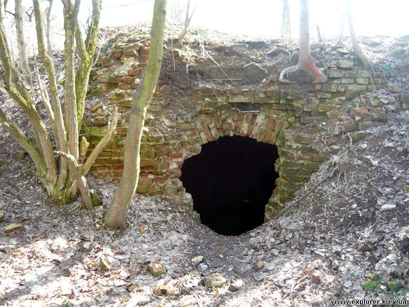 Вход в подвал
