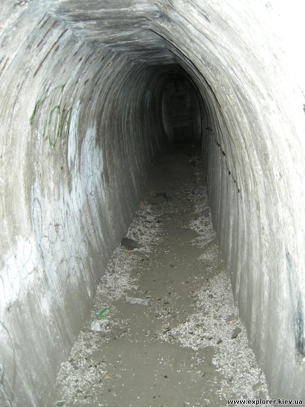 Туннель в ДОТе №402